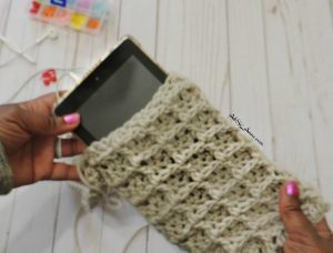 crochet kindle ereader pouch